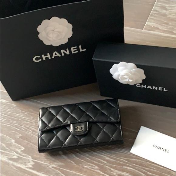 965658310e8150 CHANEL Bags   Lflap Wallet   Poshmark